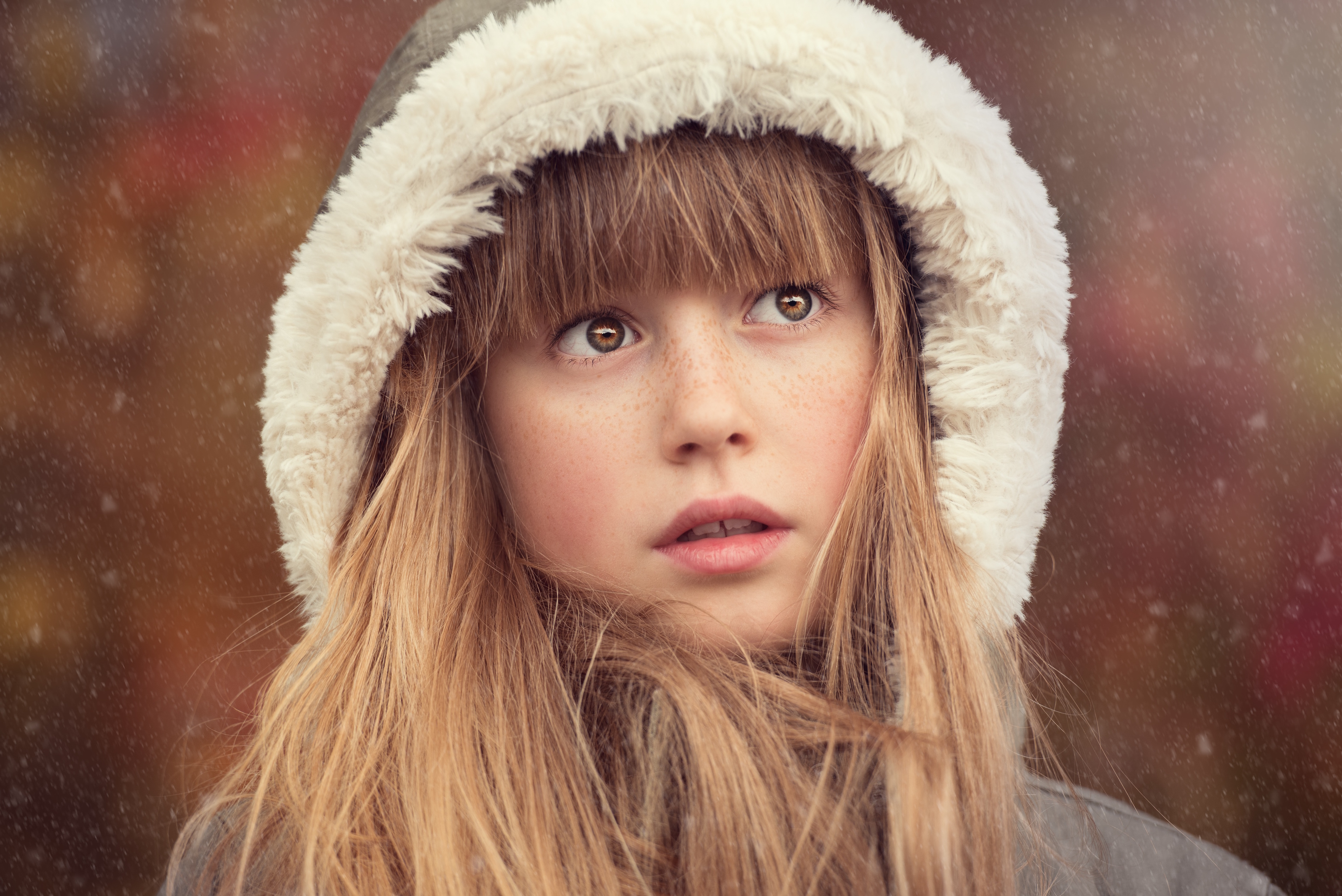 * Young Girl in Winter Looking Up 3800x
