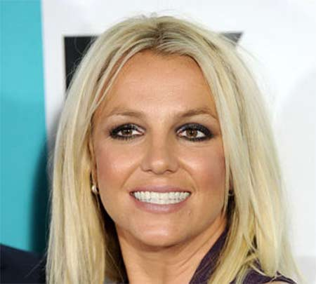 Britney-Spears-Fake-Smile-450x405.jpg